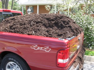 Delivery of Hardwood Bark Mulch